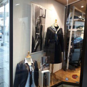 vitrine-cote-boutique-indigo-tonneins-maryse-tricou